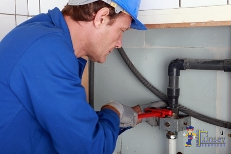 24 hour emergency plumbing repair service being provided in Round Rock, TX